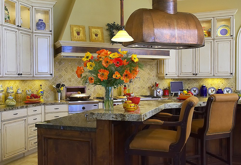 This is an image of a kitchen that had it's interior redesigned in the Sacramento area.